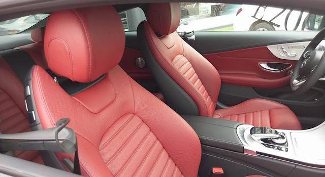 Băng sau Mercedes AMG C43 4MATIC Coupe 2017 thiết kế rộng rãi và thoải mái.