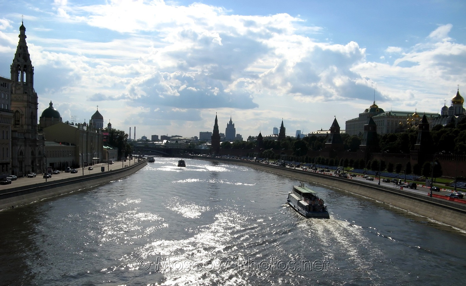 Moscow River. From Big Moskvoretsky Bridge.