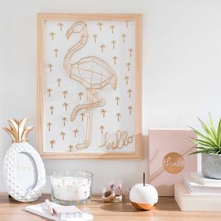 http://www.maisonsdumonde.com/FR/fr/produits/fiche/tableau-en-metal-dore-37x46cm-hello-flamingo-169379.htm