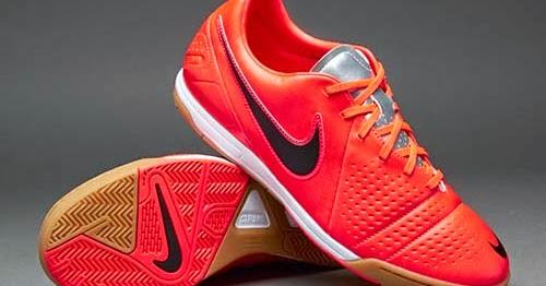 Ciudad Menda Escupir Brillante  Nike CTR360 Libretto III futsal shoes with orange color