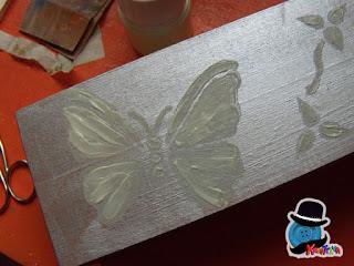 farfalle con pittura fosforescente