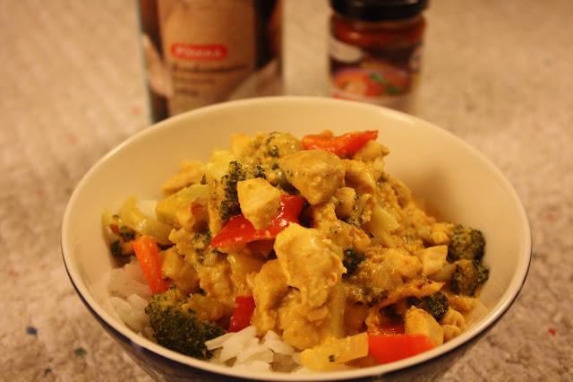 broileri-parsakaalicurry curry broileri parsakaali arkiruoka
