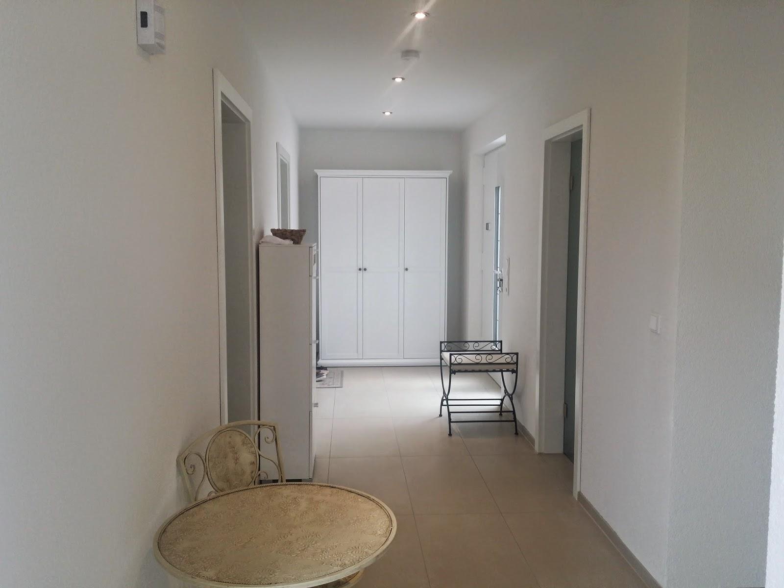 baublog wir bauen in neesbach m belzuwachs im wohnbereich und flur. Black Bedroom Furniture Sets. Home Design Ideas