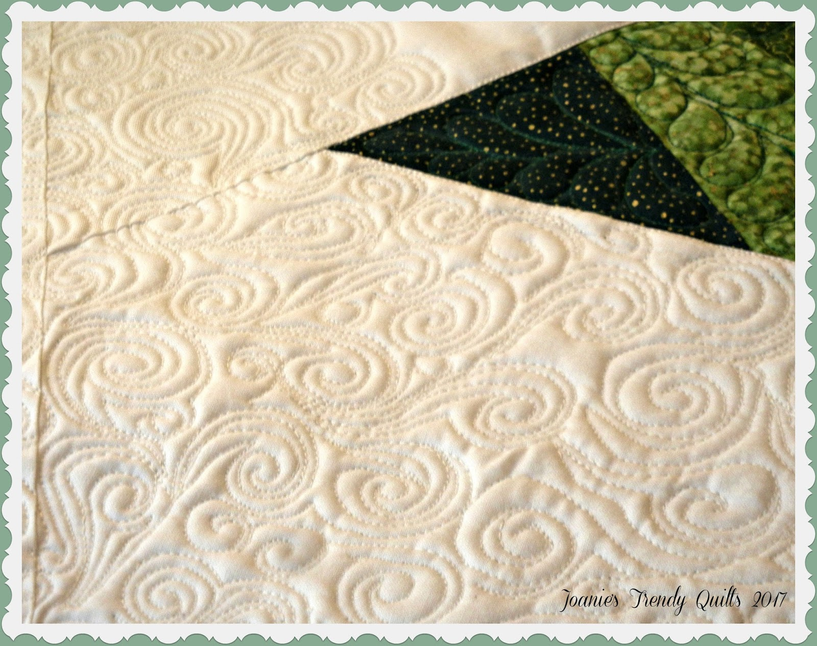 Joanie\'s Trendy Quilts : Snow Scrolling and Tree Decorations