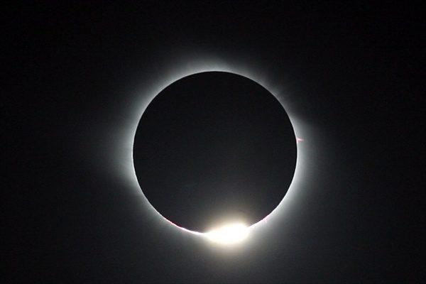 ترقبوا اطول خسوف قمر في القرن 21 نهاية تموز الحالي