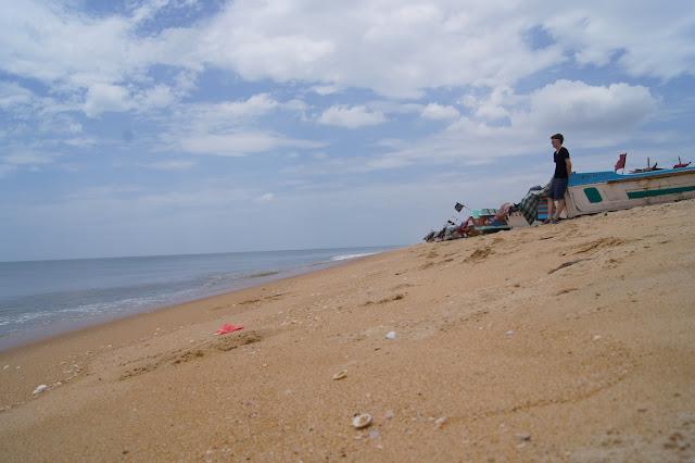 Sandstrand ohne Touristen: Die Stände um Mullativu sind schön und menschenleer.