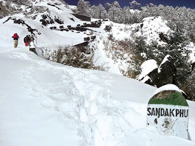 Sandakphu witness seasons first snowfall 2018