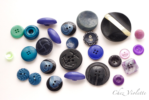 blue vintage buttons colleciton - The collection of vintage button by Chez Violette