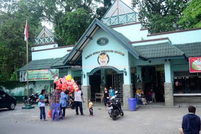 Kebun Binatang Kota Pematang Siantar.