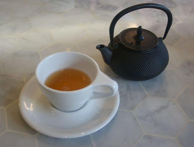 White Mojo, tea