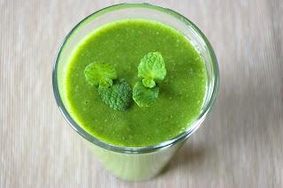 polish green smoothie, koktajl jabłkowo-miętowy na soku brzozowym
