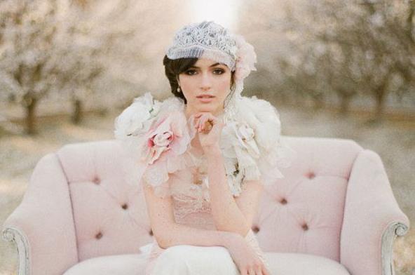 une belle robe de mariée pastel en soie , Vanessa Lekpa