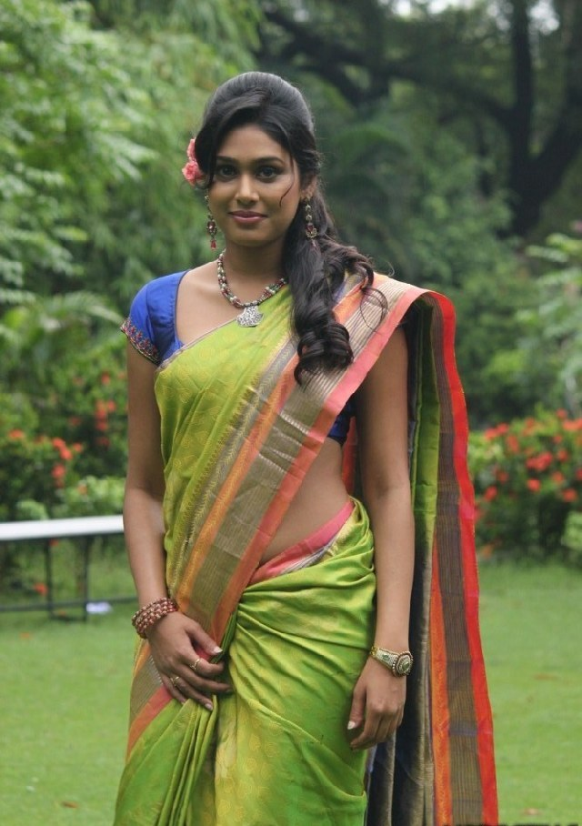 Sex photos in saree