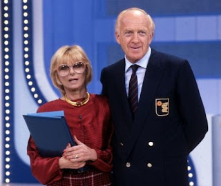 Vianello and his wife Sandra Mondaini presented many different shows together, including a long-running sitcom