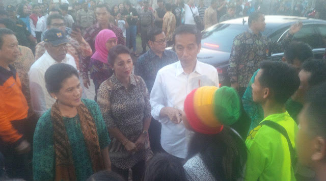 Jokowi Minta Warga Sekitar Gunung Agung Patuhi Instruksi