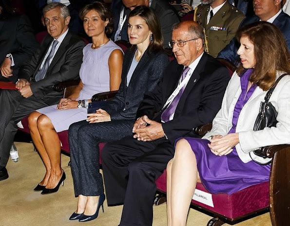 Queen Letizia wore Hugo Boss pantsuit, Magrit pumps, new season bag