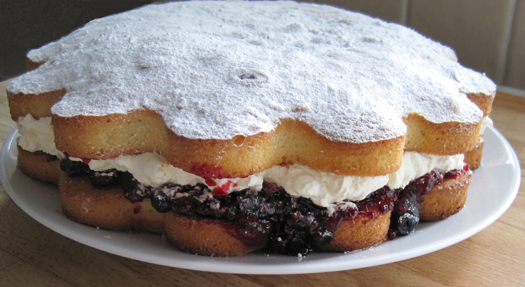 Sponge Cake with Summer Berries