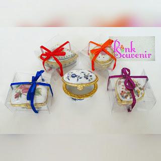 Pilihan Souvenir Pernikahan berguna dan bermanfaat Souvenir Tempat Perhiasan printing