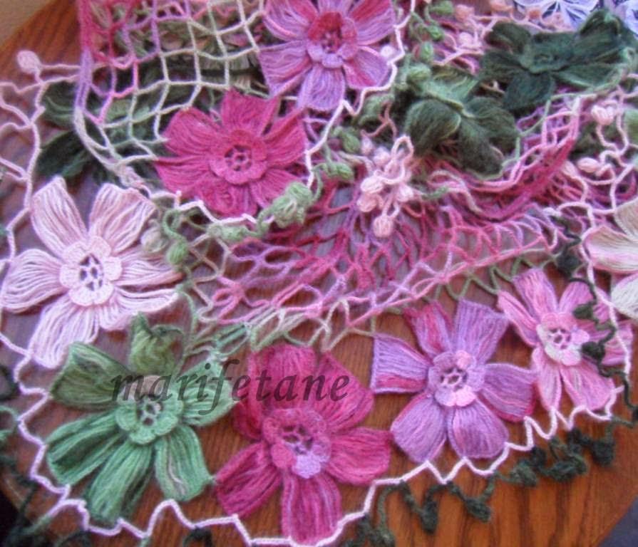 Çiçek Motifli Şal
