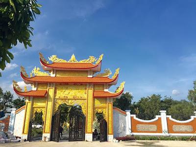 nhà thờ Tổ của Hoài Linh