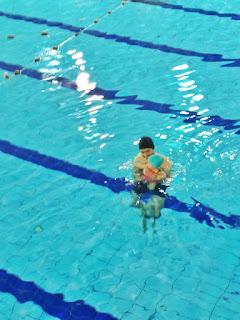 Natação - A primeira experiência na piscina
