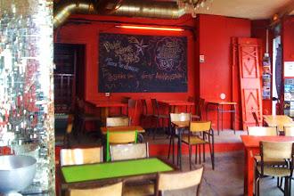 Nightlife : Le Café Chéri(e) le bar-café qui bouge à Belleville - 44, boulevard de la Villette - Paris 19