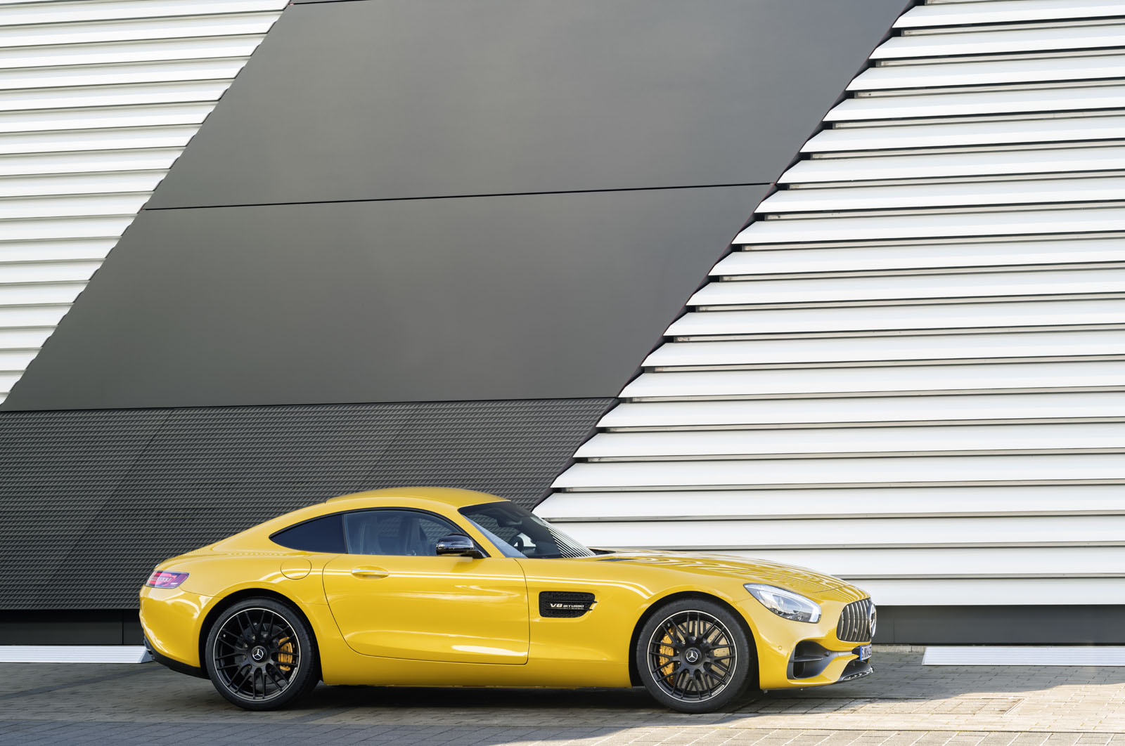 2014 - [Mercedes-AMG] GT [C190] - Page 29 16C1133_32