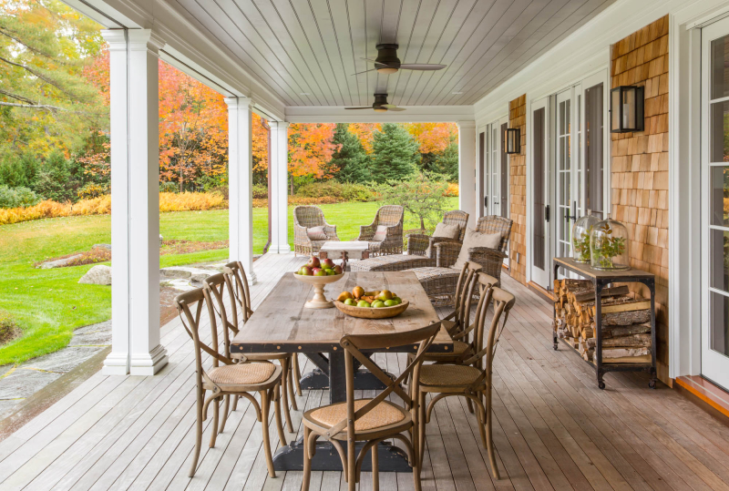 Summer home in Maine by Giannetti Home