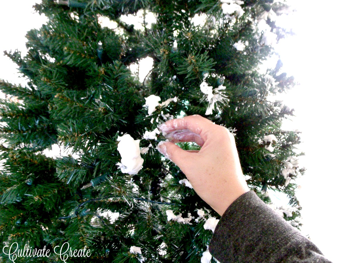 Cultivate Create: Dare To DIY: Flocked Christmas Tree