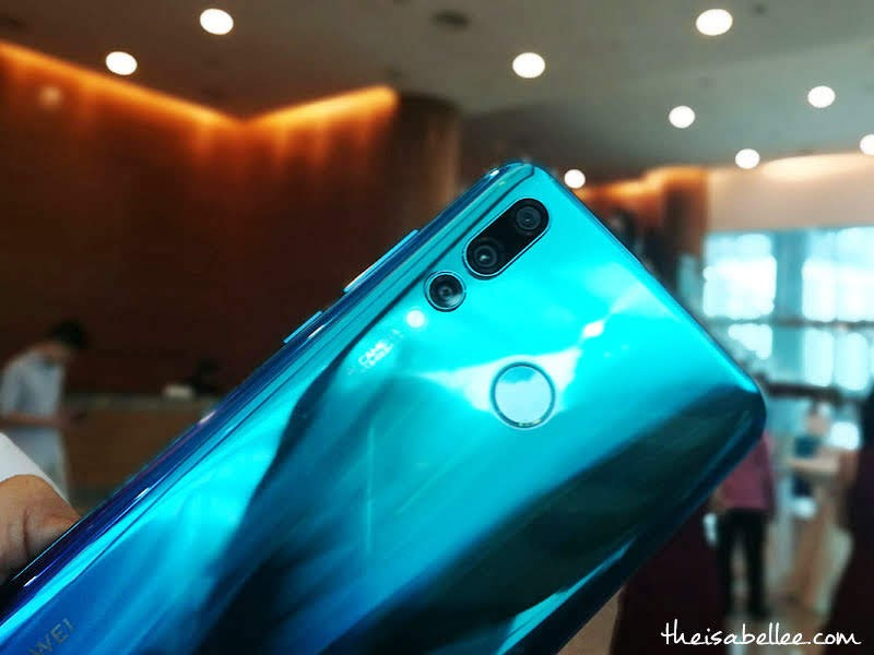 Huawei nova 4 Crush Blue colour