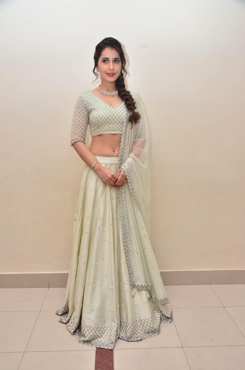 Raashi Khanna Photos In White Dress