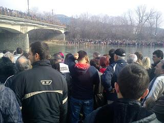 να διχάσουμε τους Έλληνες για να ενώσουμε τους Σκοπιανούς