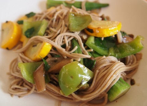 Sesame Noodles with Zucchini and Bell Peppers
