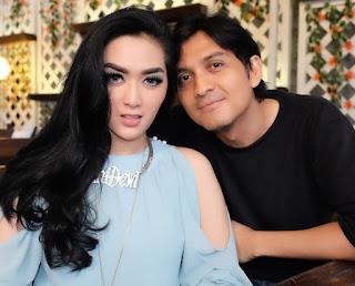 Lucky Hakim dan Tiara Dewi