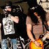 "Guns N 'Roses presenta video en vivo interpretando el clásico ""Welcome To The Jungle"""