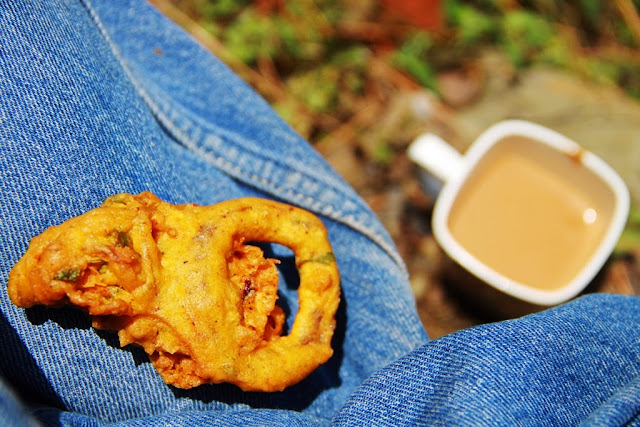 "Suddenly the entire world is talking about Pakoras. If you are thinking ""What the hell is this guy talking about?"" do a search on the Internet for Narendra Modi and Pakoras and you will understand exactly what I mean. Anyhow, this sudden focus on Pakoras got me thinking about all the pakoras I have loved and ignored in my life. I also wondered whether it is just me or is everyone else too engulfed in this Pakora wave. I didn't have to search too hard for an answer. Click here and you will find out for yourself. Not only Pakoras, you will also find out about 3 other interesting stories that have set the social media on fire. Trust me, it's interesting stuff."