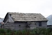 Hartama çatılı ahşap bir Karadeniz evi