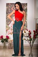 Rochie lunga crep verde cu broderie florala • Atmosphere