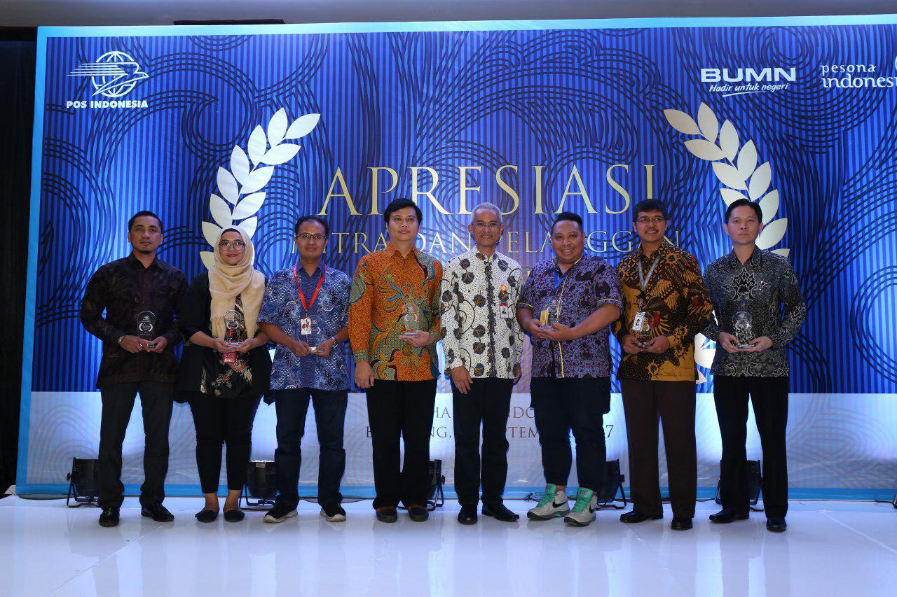 Easy Shopping Mendapatkan Penghargaan Dari Pos Indonesia Pt Karisma Bahana Gemilang
