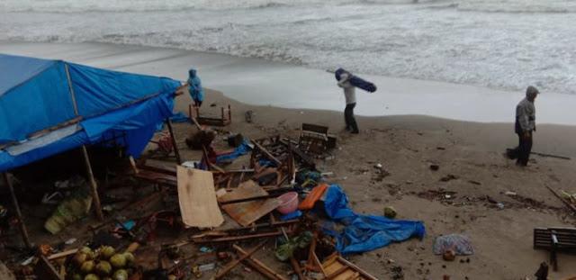 Kondisi Pantai Anyer Pagi Ini Porak Poranda Pasca Tsunami, Lihat Videonya