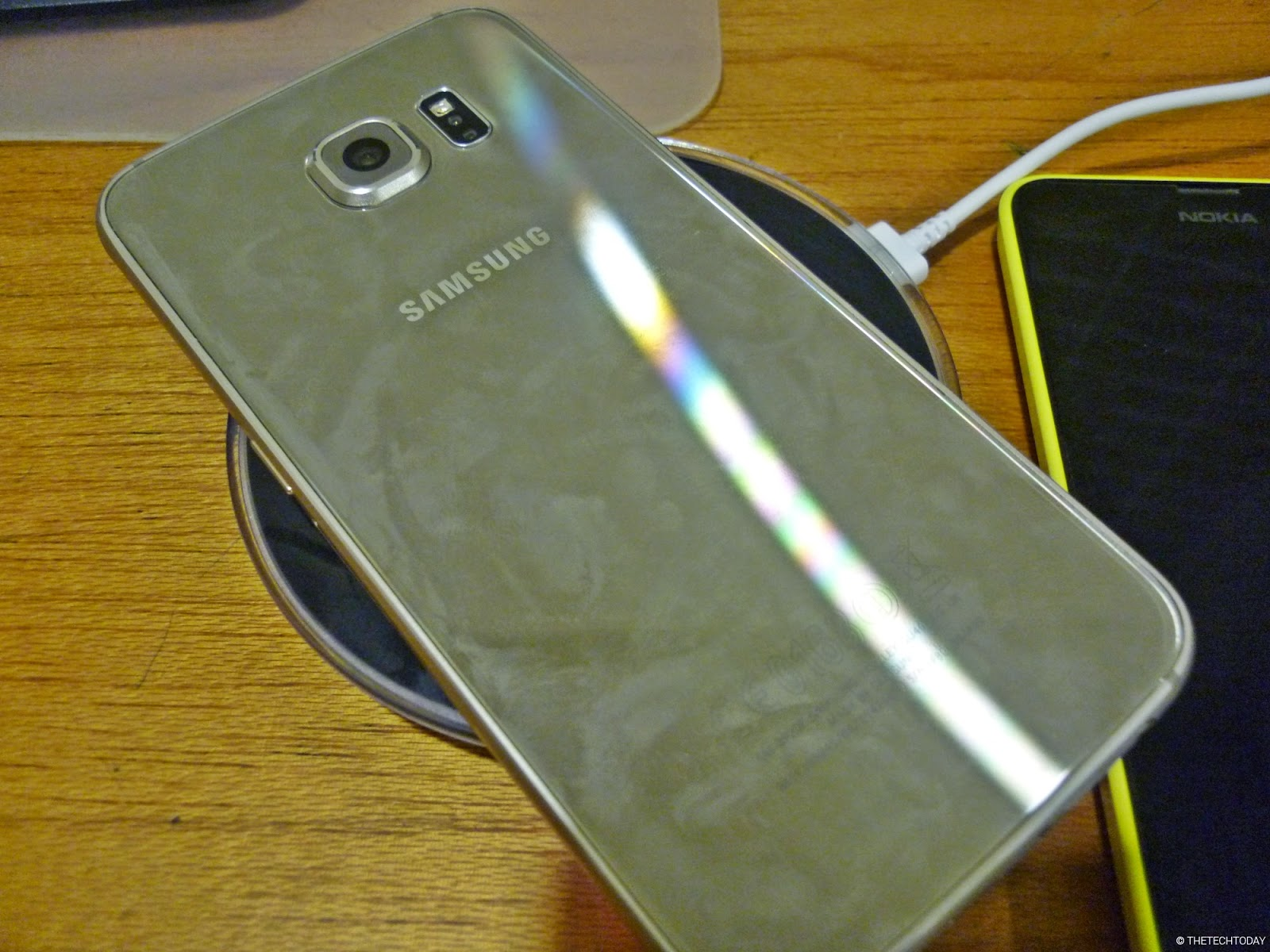 galaxy-s6-gold-back-fingerprint-samsung