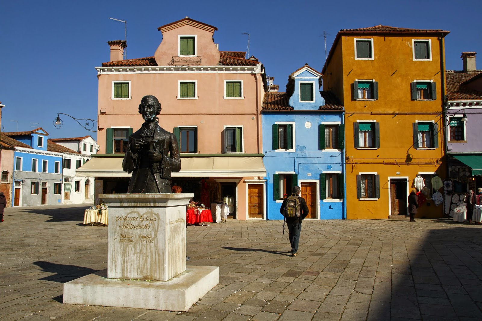 Visitar a ILHA DE BURANO a partir de Veneza e descobrir um recanto colorido | Itália