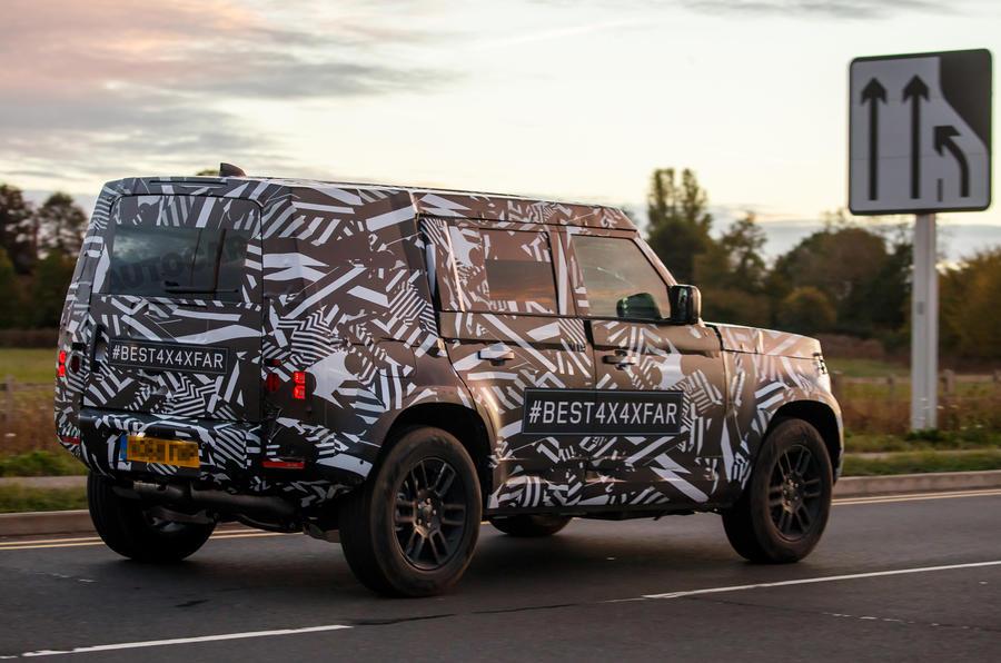 Land Rover Defender Phiên Bản Hoàn Toàn Mới 2020 Ra Mắt, Mẫu 7 Chỗ Địa Hình Vua Off-Road 4x4 sẽ chính thức được công bố ngày ra mắt vào năm 2020,