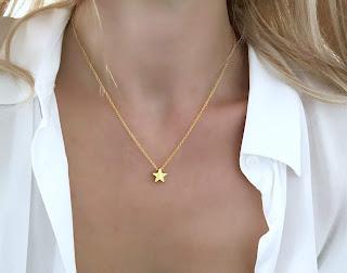 collier avec pendentif etoile