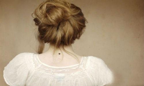 Giải mã ý nghĩa của nốt ruồi sau gáy