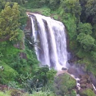 air terjun curugsewu  | Wonderful Indonesia