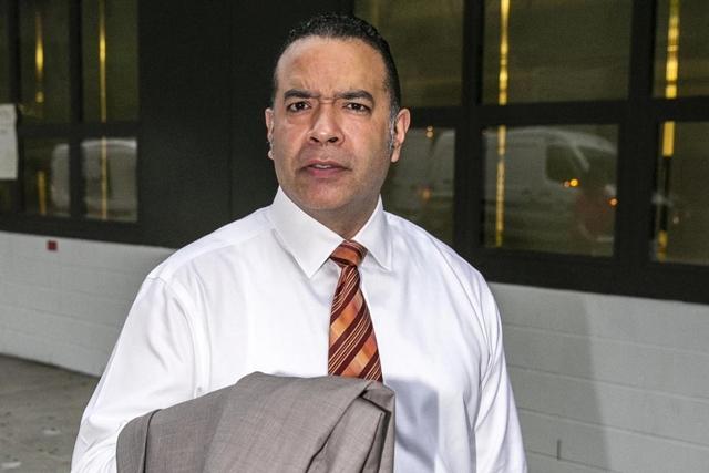 Demandan Manuel Ureña director dominicano por discriminación de maestros en NY