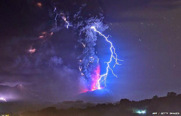 volcano lightning pyrotechnics ash - photo #36