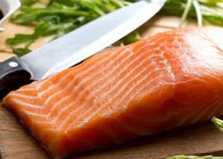 Ikan salmon sebagai Makanan Penyubur Rambut