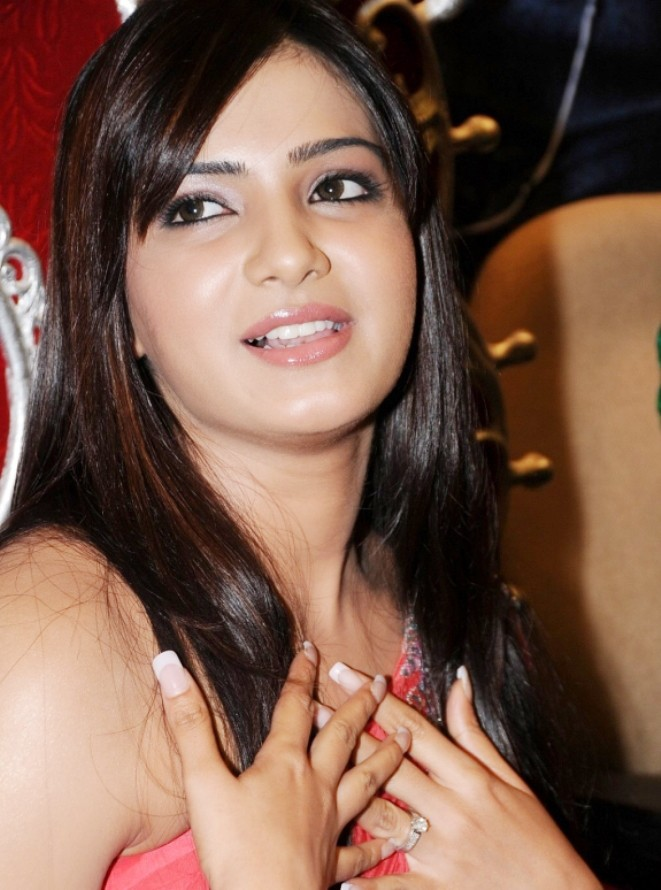 Looking hot & sizzling Samantha in one shoulder short dress photos